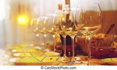 ресторан, медленный, motion., фокус, размытый, стакан, bokeh, lighting., таблица, вино, таблица, glasses, изменения, банкет, 1920x1080, сцена