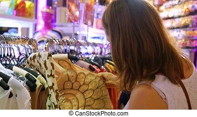 рубашка, mall., привлекательный, choosing, девушка, 3840x2160, 4k
