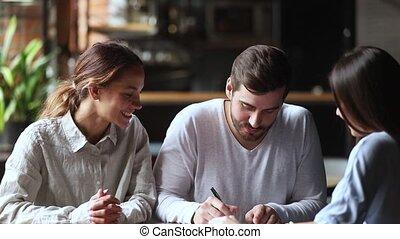 рукопожатие, пара, clients, молодой, контракт, знак,...