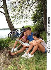 семья, на, , велосипед, поездка