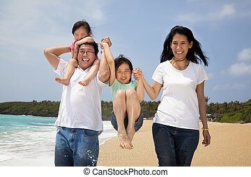 семья, пляж, счастливый