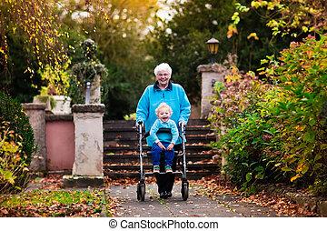 семья, посещение, ходок, старшая, enjoying, леди