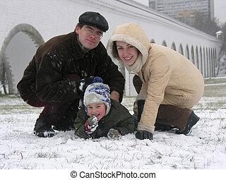 семья, of, three., snow.