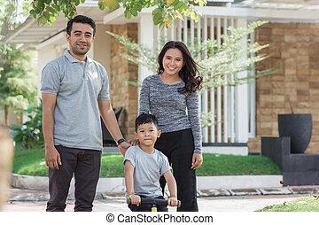 семья, with, сын, верховая езда, , велосипед