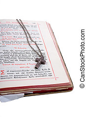 серебряный, пересекать, в, an, открытый, старый, библия, with, кожа, обложка