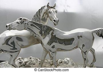 серебряный, horses