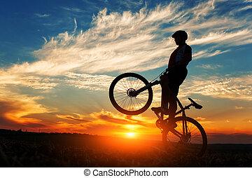 силуэт, of, , человек, на, muontain-bike