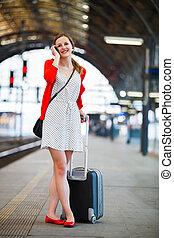 симпатичная, молодой, женщина, в, поезд, станция