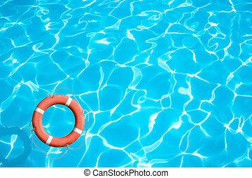 спасательный круг, на, синий, воды, поверхность, концепция