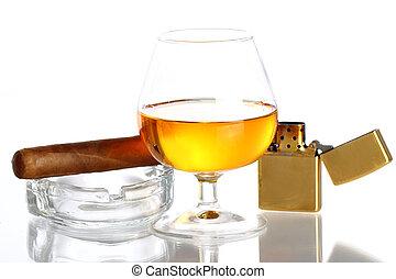 стакан, of, виски, and, сигара