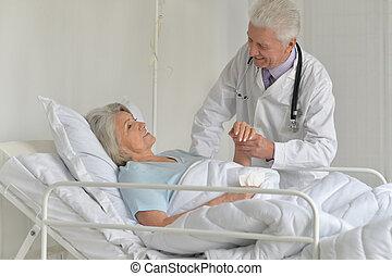 старшая, женщина, больница