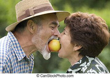 старшая, пара, романтический