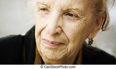 старшая, счастливый