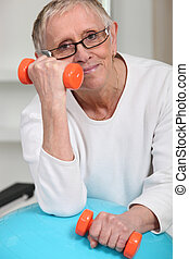 старый, женщина, with, oranges, weights