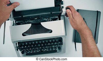 старый, лист, бумага, inserting, печатная машинка