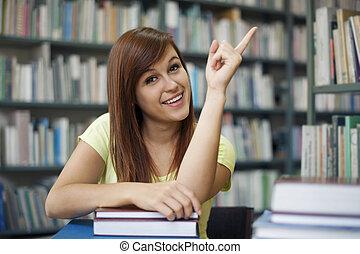 студент, copyspace, красивая, pointing