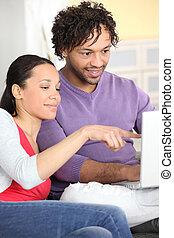счастливо, пара, browsing, интернет