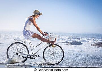 счастливый, блондинка, велосипед, избавиться, безумно...