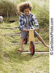 счастливый, мальчик, верховая езда, байк