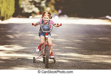 счастливый, ребенок, девушка, велосипедист, верховая езда, байк