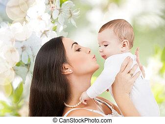 счастливый, смеющийся, детка, playing, with, мама