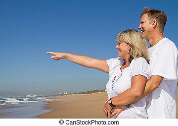 счастливый, среднего возраста, пара