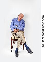 счастливый, стул, сидящий, человек, пожилой