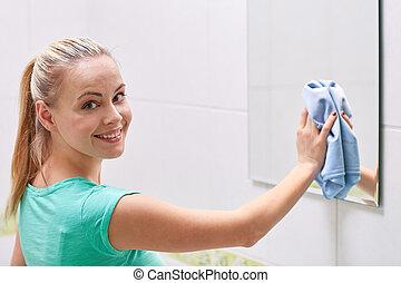 тряпка, счастливый, женщина, уборка, зеркало