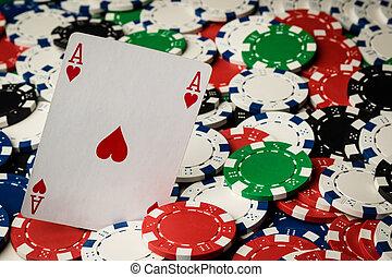 туз, of, hearts, and, покер, чипсы