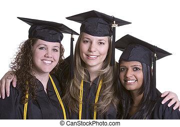 улыбается, выпускники