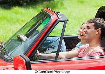улыбается, молодой, пара, having, , поездка, в, красный, кабриолет