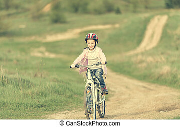 улыбается, немного, девушка, верховая езда, байк