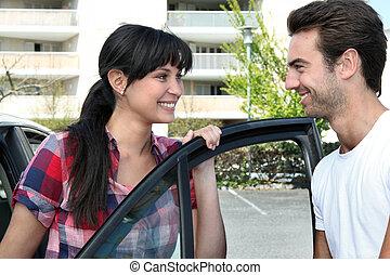 улыбается, пара, собирается, для, , поездка