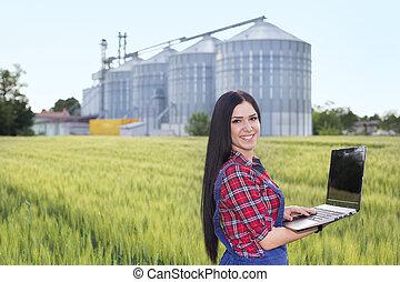 фермер, девушка, в, ячмень, поле
