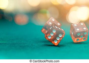 фото, of, несколько, красный, игральная кость, falling, на, зеленый, таблица, в, казино
