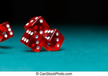 фото, of, несколько, красный, игральная кость, falling, на, зеленый, таблица