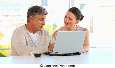 фронт, talking, пара, портативный компьютер