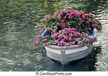 цветы, лодка