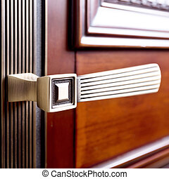 , часть, of, деревянный, дверь, with, металл, ручка
