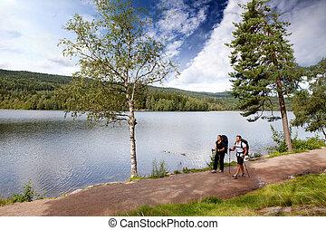 אגם, קמפינג