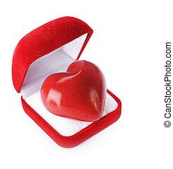 אדום, קטיפה, קופסה של מתנה, עם, a, לב, ב, a, לבן, רקע., ואלאנטין