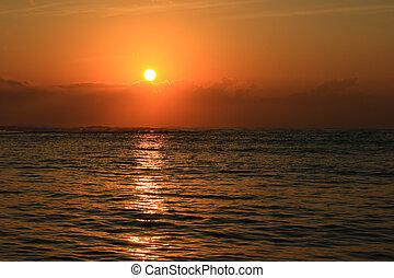 אוקינוס, עלית שמש
