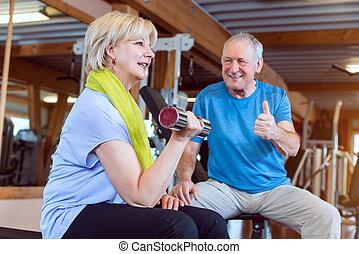 אישה, בכור, אולם התעמלות, דאמבאלס, כושר גופני, להתאמן
