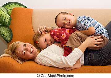 אישה, ילדים, בבית, כיף, בעל, שמח