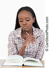 אישה צעירה, ללמוד