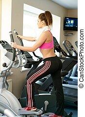 אישה צעירה, לעשות, התאמן, ב, מועדון של כושר הגופני, ב, לאלף, תגמר