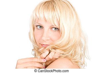 אישה צעירה, עם, שיער בלונדיני