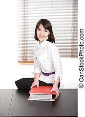 אישת עסקים