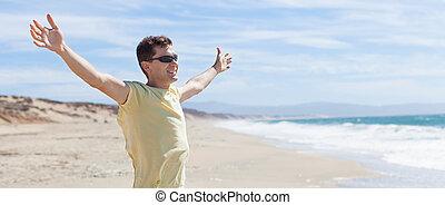איש, בחוף