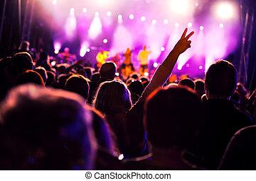אנשים, ב, הופעה של מוסיקה